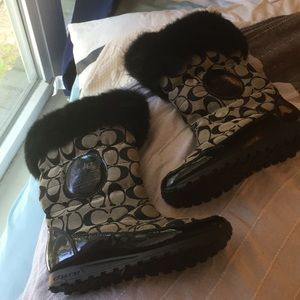 Coach winter boots with fur, Like New!